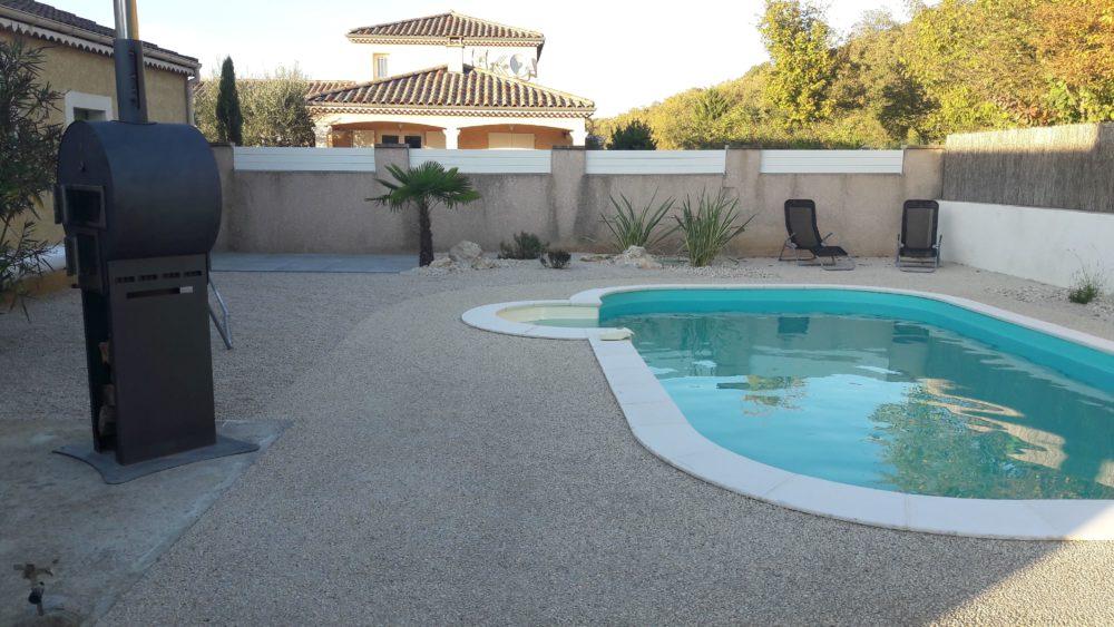piscine béton désactivé aménagement paysager drôme