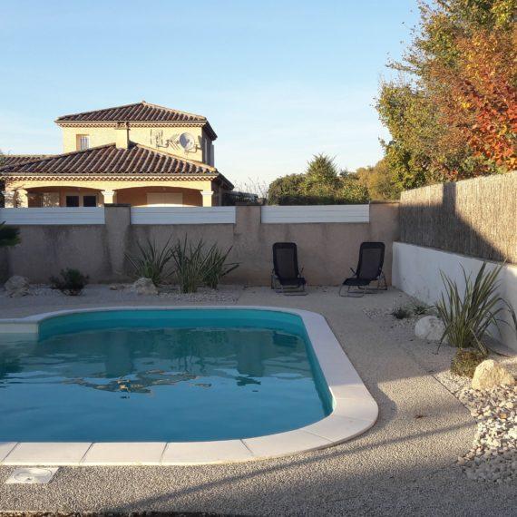 piscine béton désactivé aménagement paysager ardèche