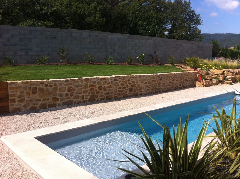 muret pierre jardin 26