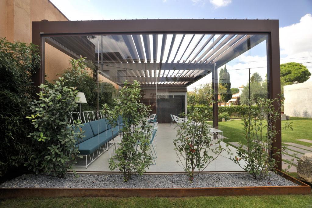 Pergola Bioclimatique Durmi - Showroom Cédric Pierre Paysage